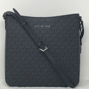 NWT Michael Kors LG messenger crossbody